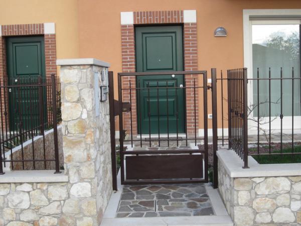 Cancello e recinzione in ferro battuto
